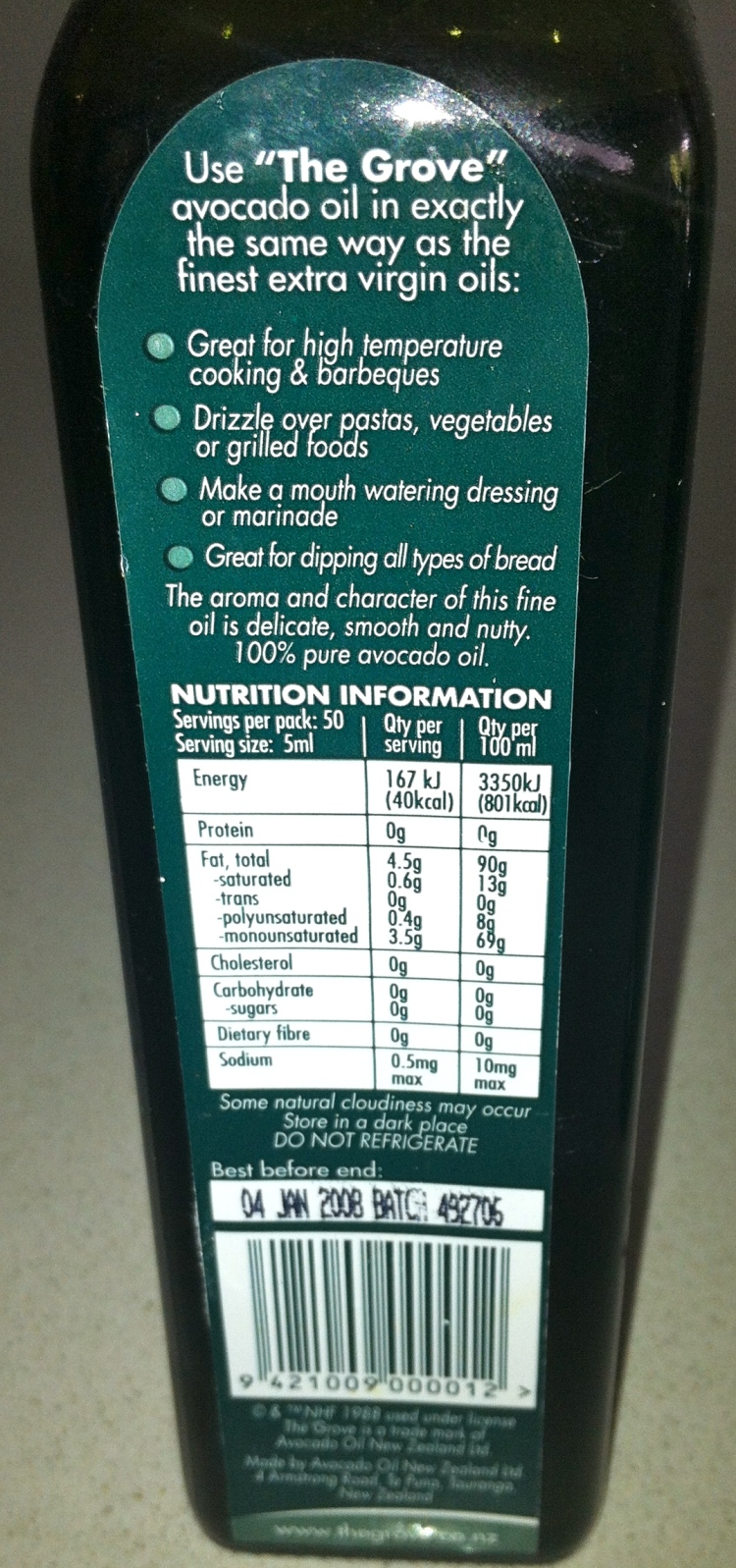Avocado oil nutrition information and claims around it being useful for high heat cooking.