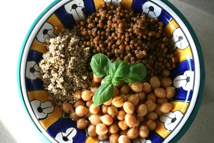 lentil chickpea quinoa vegan soup