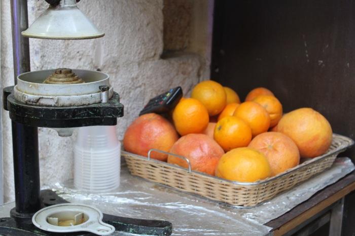 Fresh orange juice in israel