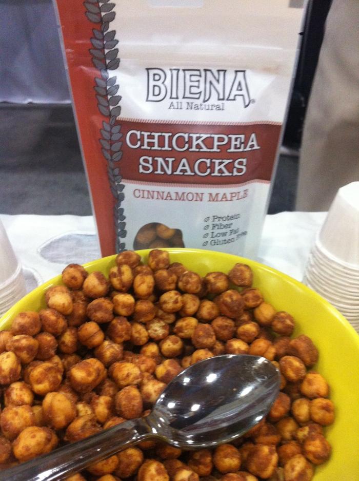 Biena flavoured chickpea snacks - cinnamon